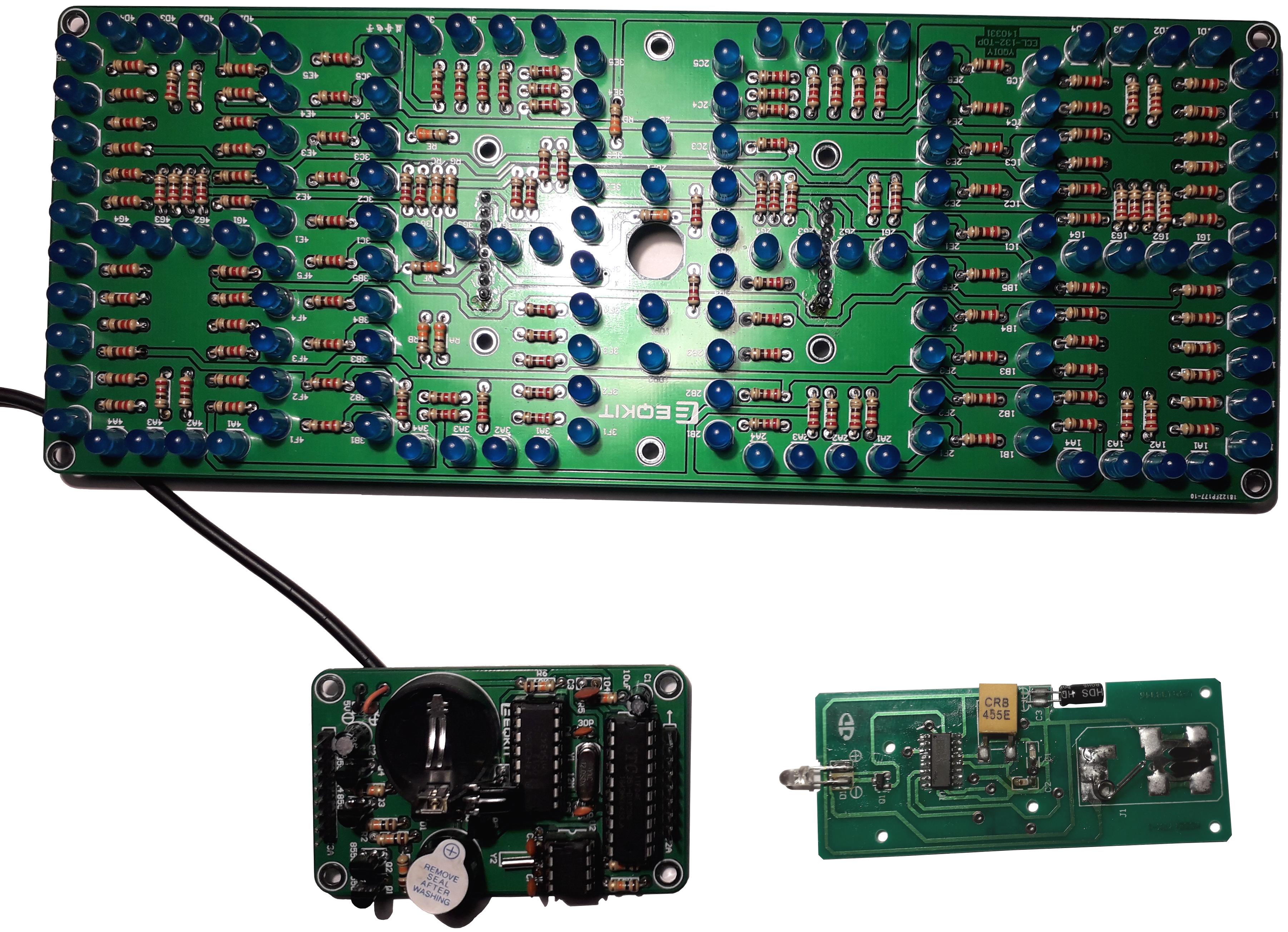 Электронные часы с пультом ДУ. Комплект: платы + компоненты.